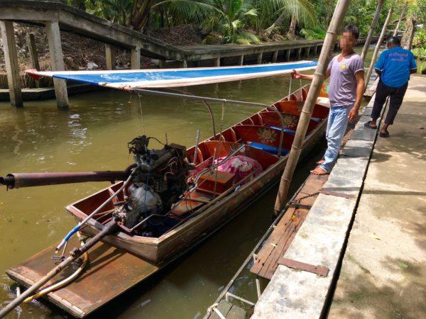 ボートツアーで乗るボート