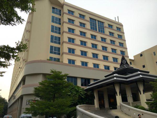 クルンシリリバーホテルの外観