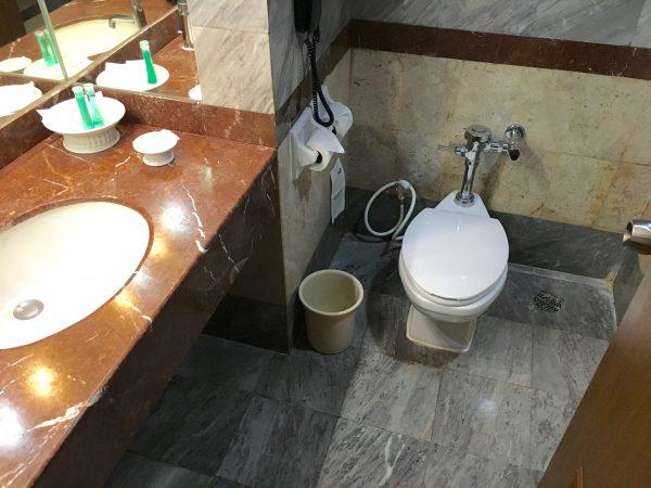 クルンシリ リバー ホテル バスルーム1