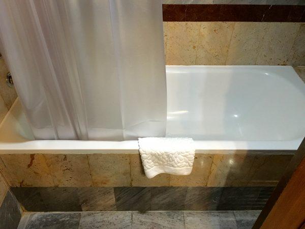 クルンシリ リバー ホテル バスルーム2