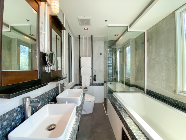 パタヤ モーダス ビーチフロント リゾート(Pattaya Modus Beachfront Resort)の客室バスルーム
