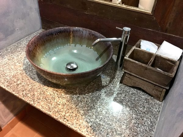 1 ニンマン ギャラリー ホテルのシャワールーム1