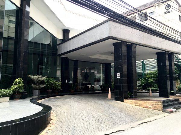 C H ホテルの外観