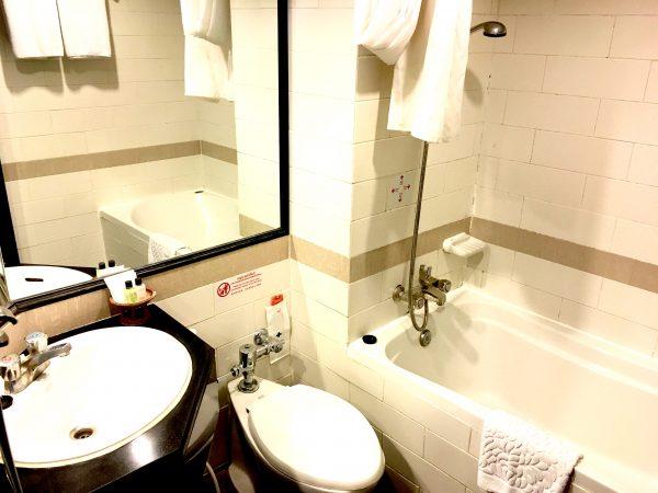 C H ホテル バスルーム