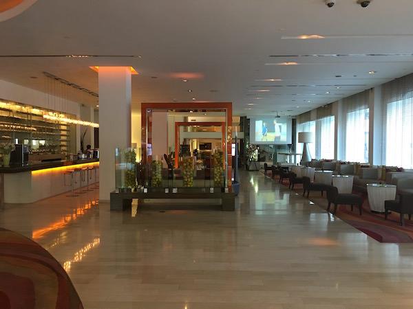 デュシット D2 ホテル(Dusit D2 Chiang Mai Hotel)のエントランス