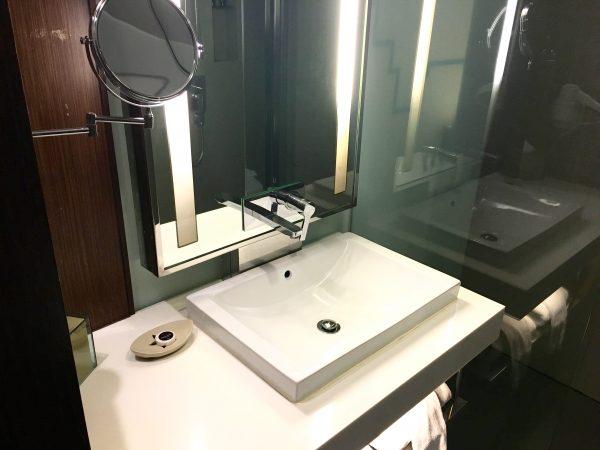 ガレリア 10 スクンビット バイ コンパス ホスピタリティ (Galleria 10 Sukhumvit by Compass Hospitality)のシャワールーム