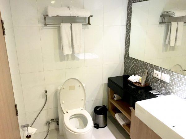 マイトリア ホテル スクンビット 18(Maitria Hotel Sukhumvit 18)のバスルーム1