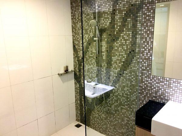 マイトリア ホテル スクンビット 18(Maitria Hotel Sukhumvit 18)のシャワールーム2