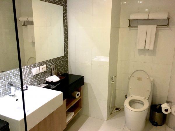マイトリア ホテル スクンビット 18(Maitria Hotel Sukhumvit 18)のシャワールーム1