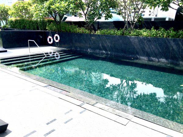 マイトリア ホテル スクンビット 18(Maitria Hotel Sukhumvit 18)のプール
