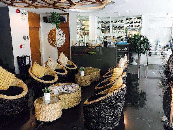 ニマン マイ デザイン ホテル チェンマイ バイ コンパス ホスピタリティ(Nimman Mai Design Hotel Chiang Mai by Compass Hospitality)のエントランス