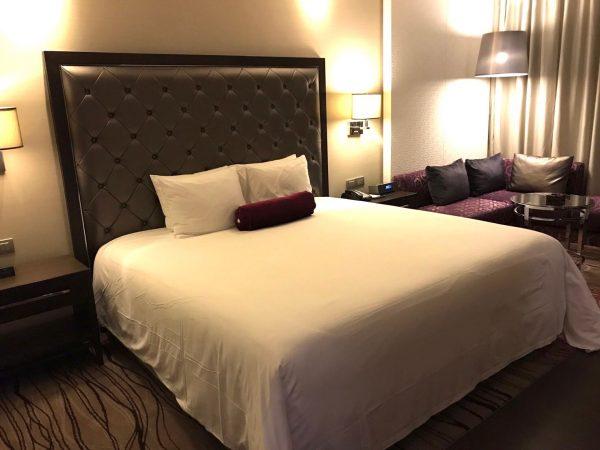 ラディソン スイーツ バンコク スクンビット (Radisson Suites Bangkok Sukhumvit)のベッド