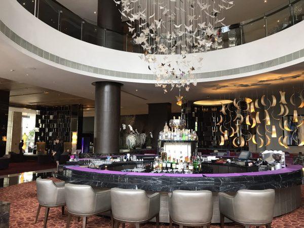 ラディソン スイーツ バンコク スクンビット (Radisson Suites Bangkok Sukhumvit)のロビー