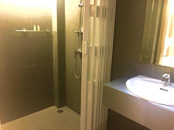 アイチェック イン ナナ(iCheck Inn Nana)のシャワールーム1