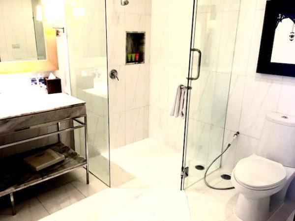 ルブア アット ステートタワー バスルーム1