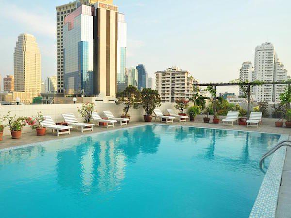 ルアムチット プラザ ホテル (Ruamchitt Plaza Hotel)のプール