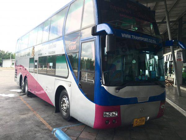 バンコクからチェンマイ行きのバス