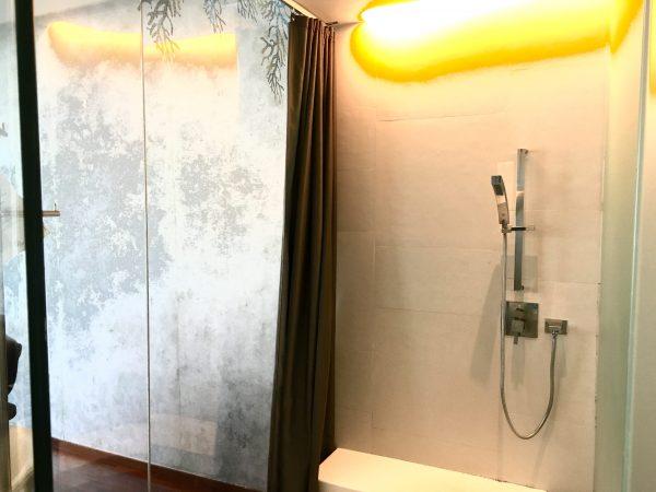 バラクーダ パタヤ Mギャラリー バイ ソフィテル (BARAQUDA PATTAYA – MGALLERY BY SOFITEL)のシャワー