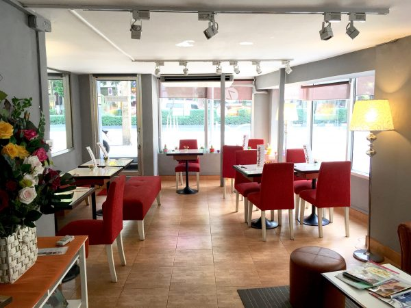 リトル コーナー ホテル (Little Corner Hotel)のカフェ2