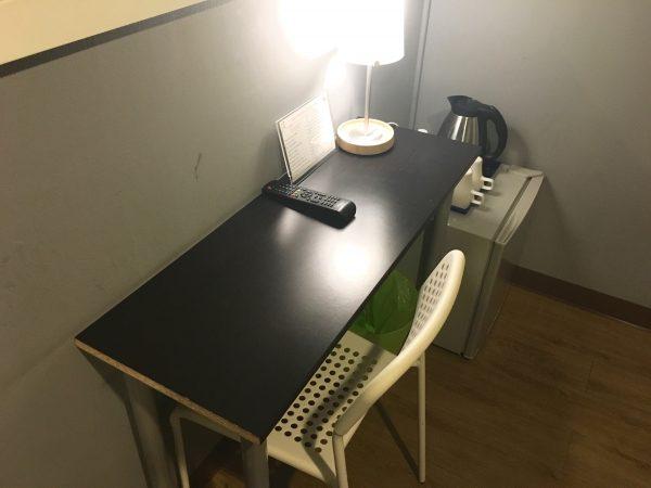 リトル コーナー ホテル (Little Corner Hotel)の作業机