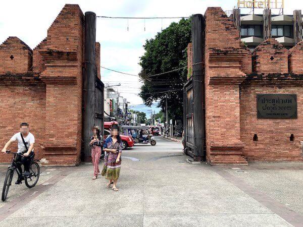 チェンマイ旧市街のターペー門