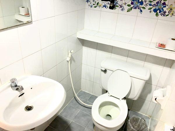 ギャラリア アット サブウェイ MRT ホイカンバン (Galleria@subway MRT Huaikhwang)のバスルーム2