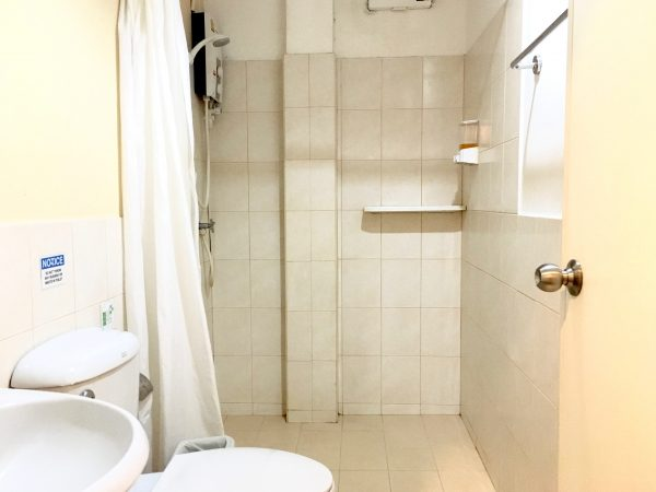 G9 バンコク ホテル (G9 Bangkok Hotel)のシャワールーム