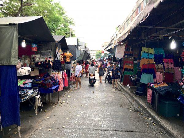 ホイクワンのローカル市場2