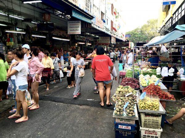 ホイクワンのローカル市場