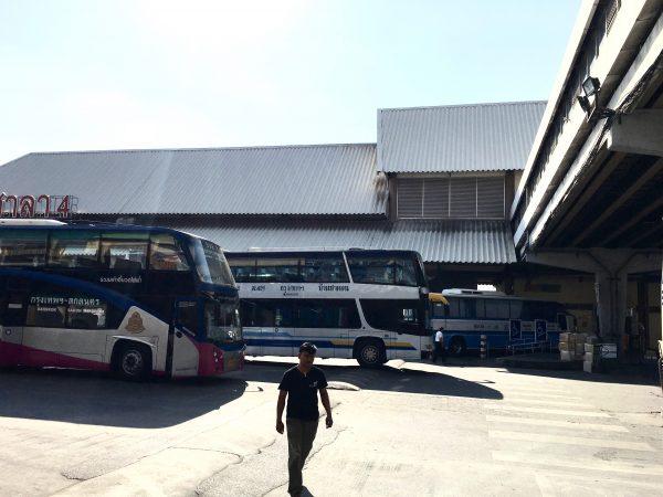 北バスターミナルのプラットフォーム
