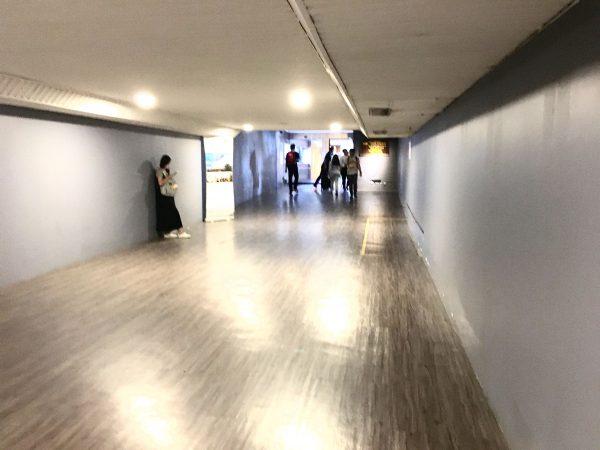 アマリ ドンムアン エアポート バンコクホテル (Amari Don Muang Airport Bangkok Hotel)へ続く通路