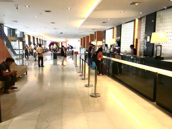 アマリ ドンムアン エアポート バンコクホテル (Amari Don Muang Airport Bangkok Hotel)のチェックインカウンター