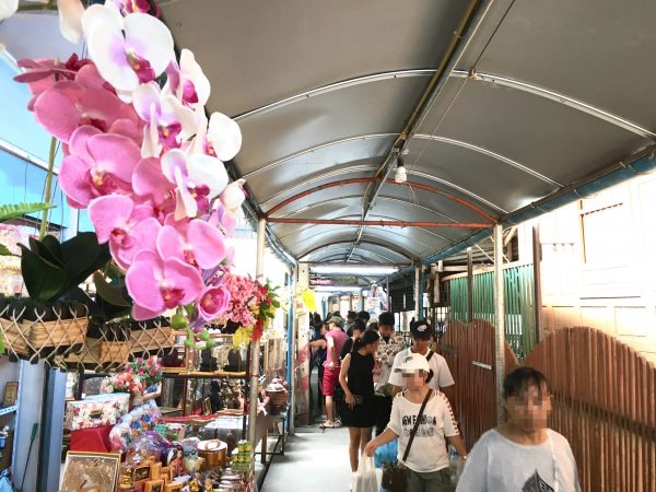 クレット島のマーケット