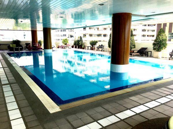 パチャラ スイーツ スクンビット (Phachara Suites Sukhumvit)のプール