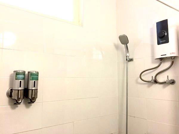 レトロアシス ホテル (RetrOasis Hotel)のシャワールーム2