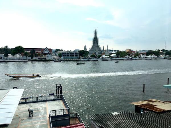リヴァ アルン バンコク (Riva Arun Bangkok)から見えるワット・アルン
