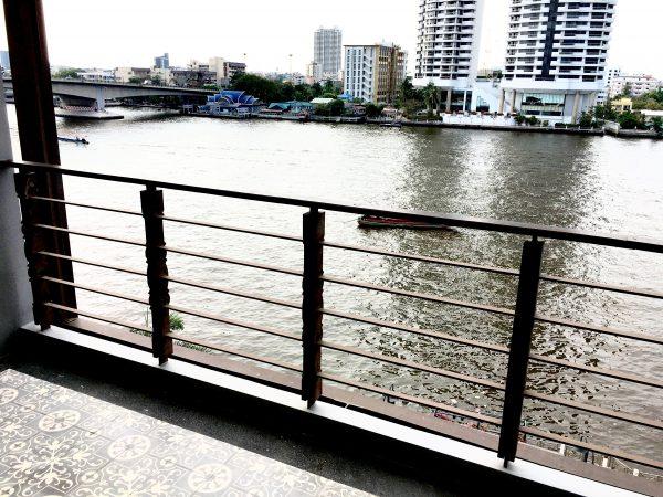 リーバ スーリヤ バンコク ホテル (Riva Surya Bangkok Hotel)のバルコニー1