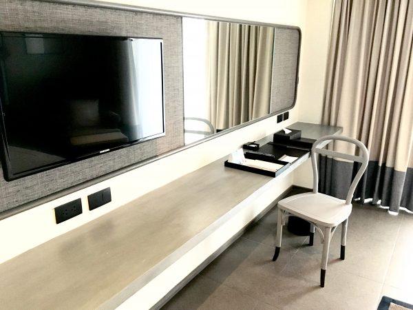 リーバ スーリヤ バンコク ホテル (Riva Surya Bangkok Hotel)の作業机