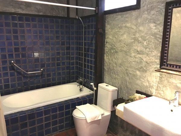 レゲンハスコータイホテルのバスルーム