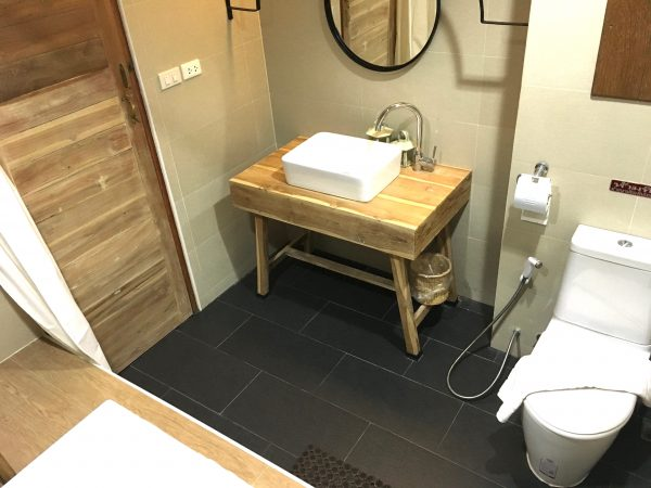 ナコーン デ スコータイ ヒップ ホテル (Nakorn De Sukhothai Hip Hotel)のバスルーム