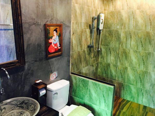 サワディースコータイ リゾート (SawasdeeSukhothai Resort)のシャワールーム
