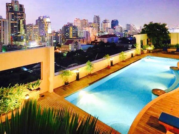 グランド メルキュール アソーク レジデンス(Grand Mercure Bangkok Asoke Residence)のプール