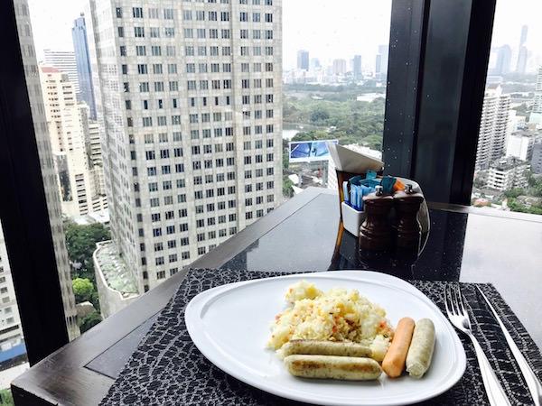 ザ コンチネント バンコク バイ コンパス ホスピタリティ(The Continent Bangkok by Compass Hospitality)の朝食会場