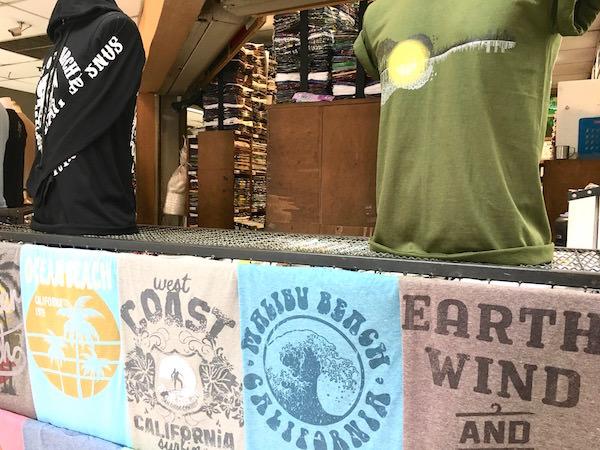 ボーベータワーのTシャツショップ1