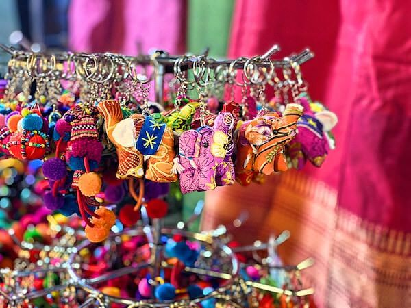 サンデーマーケット(Sunday Market)で購入した象のキーホルダー
