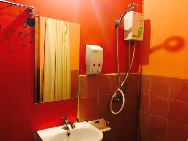 インディー ハウス アット ニマン(Indie House @ nimman)のシャワールーム1