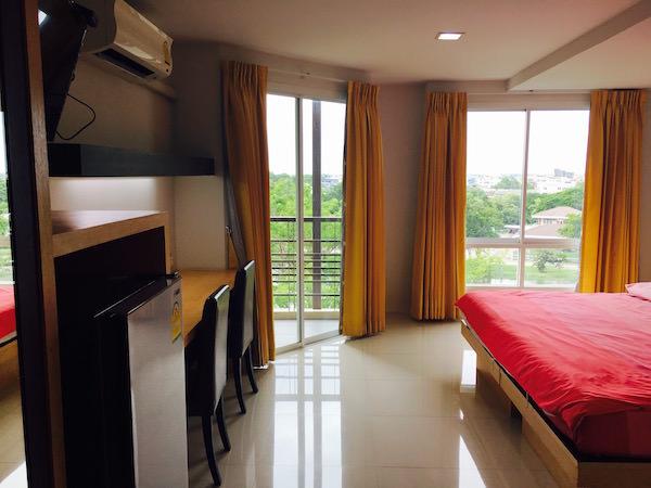 カモンサラ アパートメント (Kamonthara Apartment)の客室1