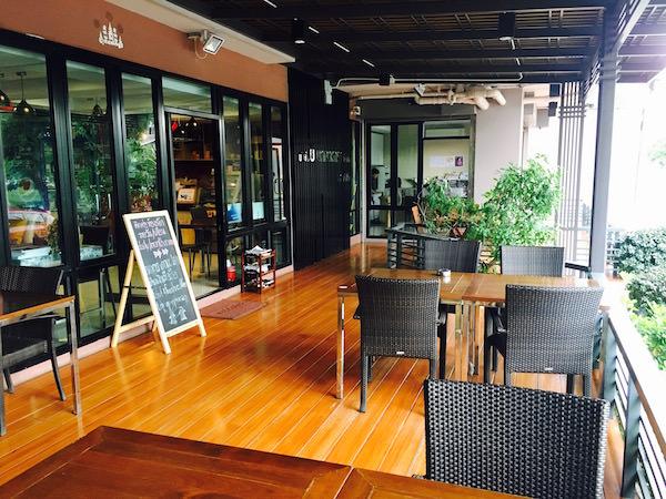 カモンサラ アパートメント (Kamonthara Apartment)のカフェ