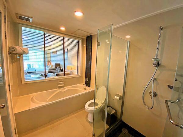 カンタリー ヒルズ ホテル(Kantary Hills Hotel)のバスルーム