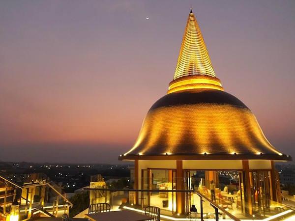 ナコンパトムのおすすめホテル。安くて観光に便利な立地の2軒を厳選。